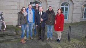 Die Auszubildenden gemeinsam mit Clemens große Macke und Frau Kemper